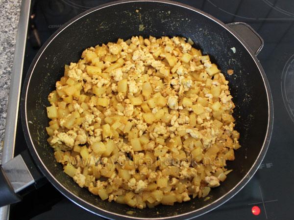 Hähnchen-Curry-Füllung für Herzhafte Muffins